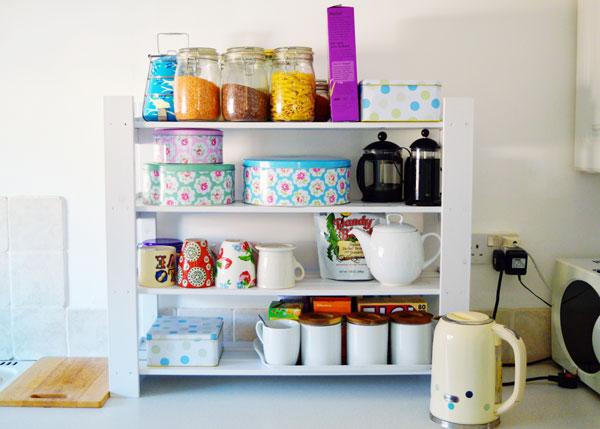 kitchen-shelves-DIY