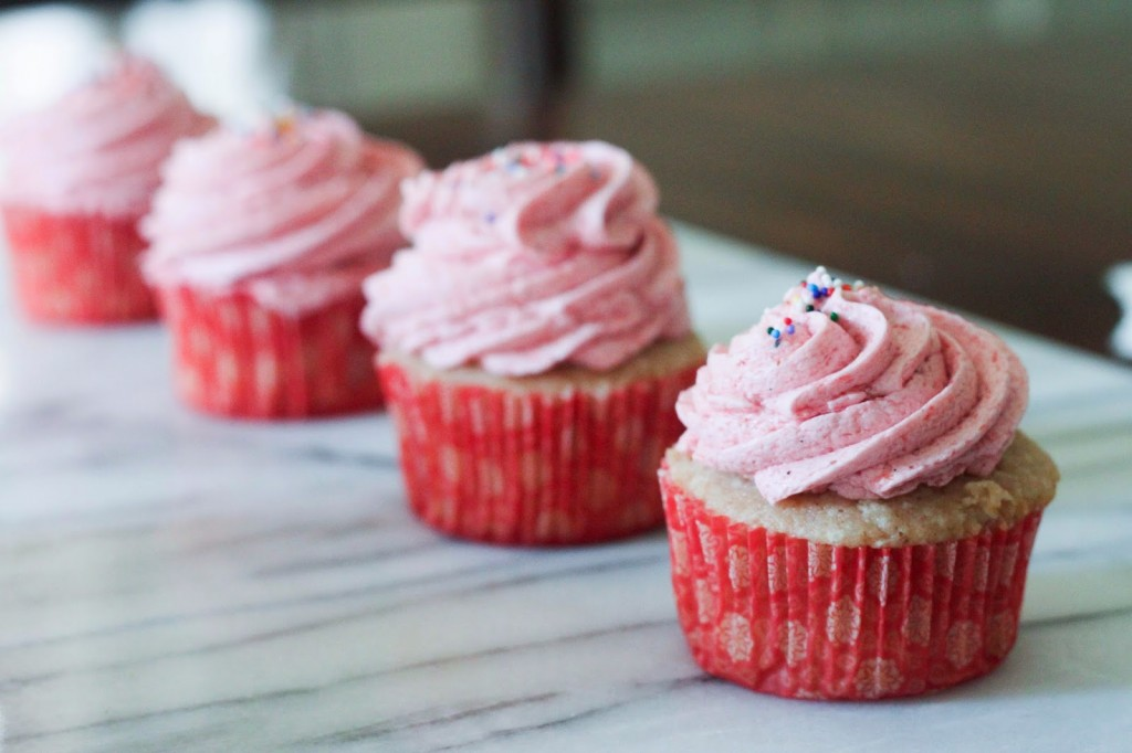 cupcakes that are strawberry