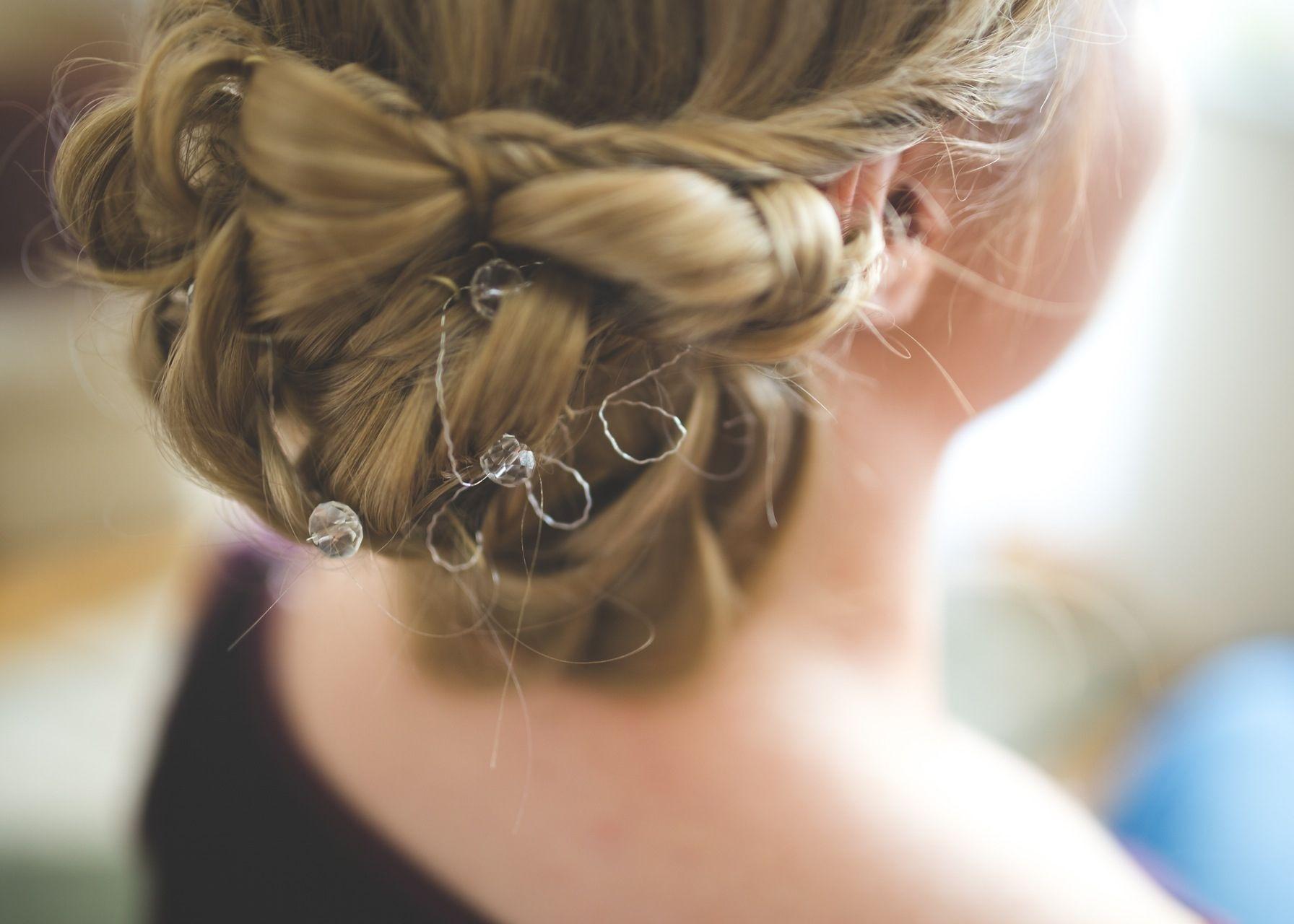hairstyle-hair-wedding-bride-main