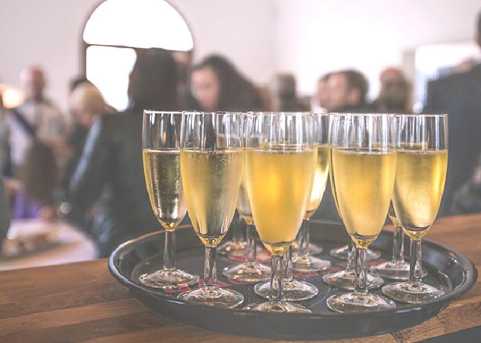 champagne-glasses_main