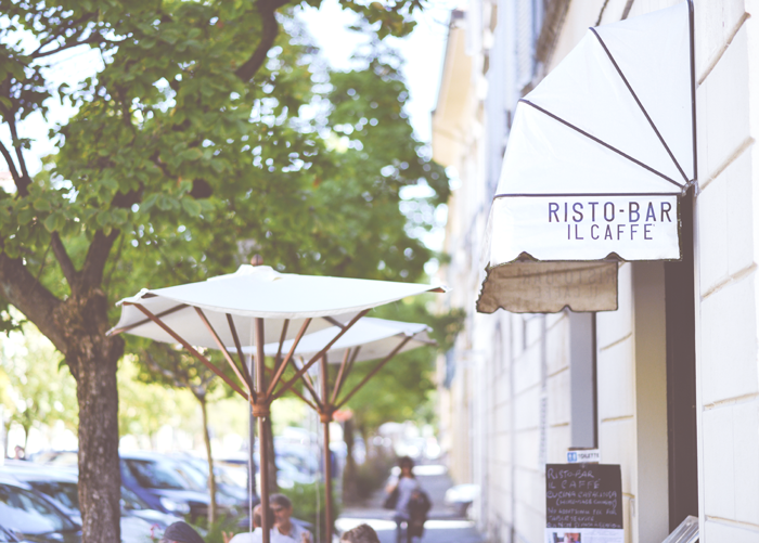 sidewalk-cafe_main