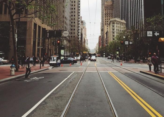 pedestrians-no-car-city