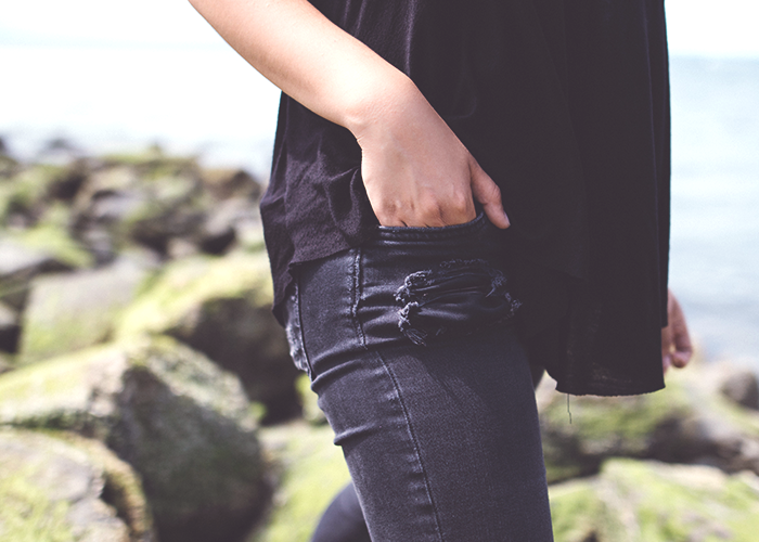 tfd_photo_black-jeans-hand-in-pocket