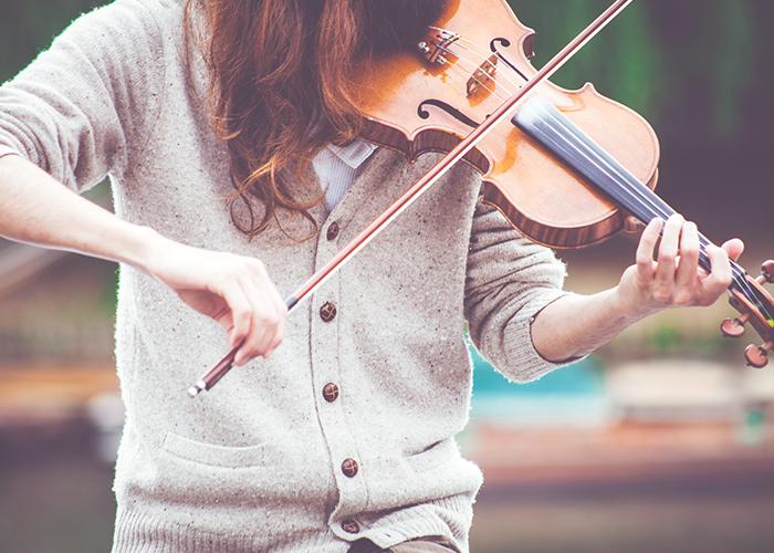 tfd_photo_woman-music_playing-violin