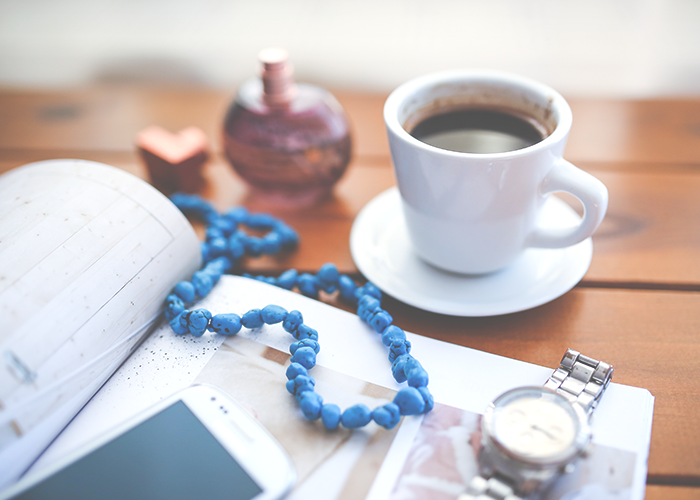 coffee-cup-and-necklace