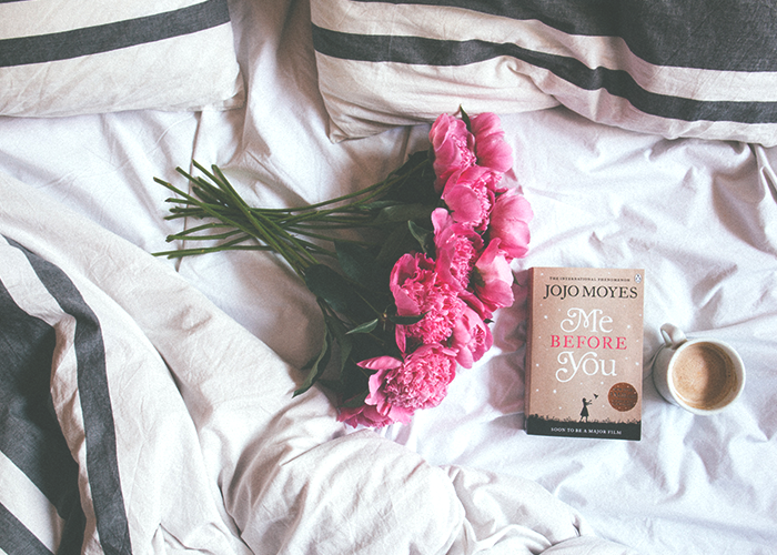 tfd_photo_flowers-and-book-on-bed