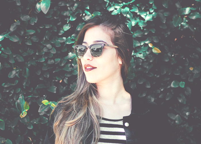 tfd_woman-in-striped-top-and-sunglasses