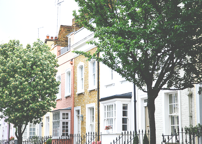 beautiful-row-of-houses