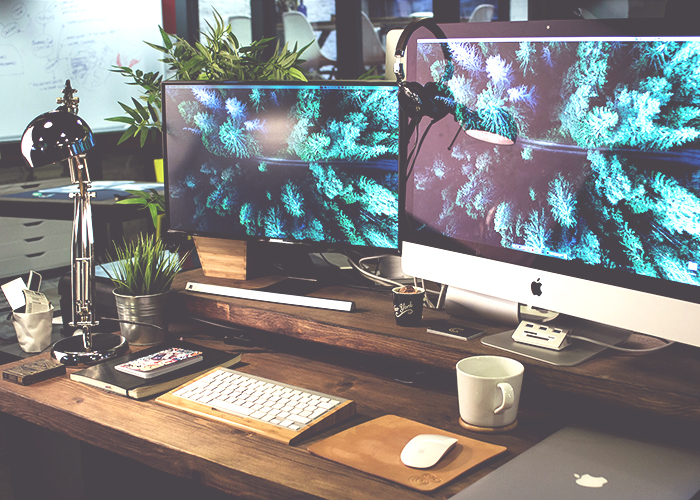 tfd_photo-with-multiple-computers