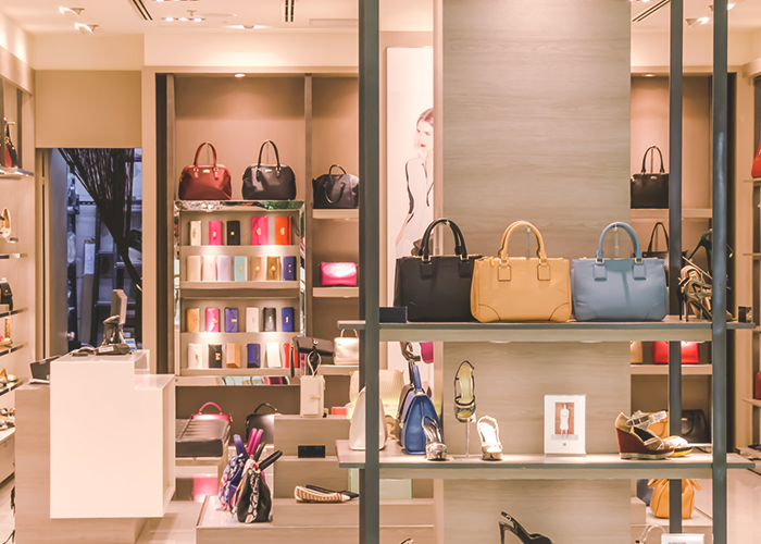 tfd_shopping-center-with-handbags-on-display