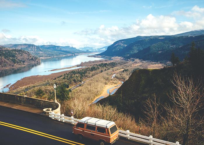 road-trip-through-the-mountains